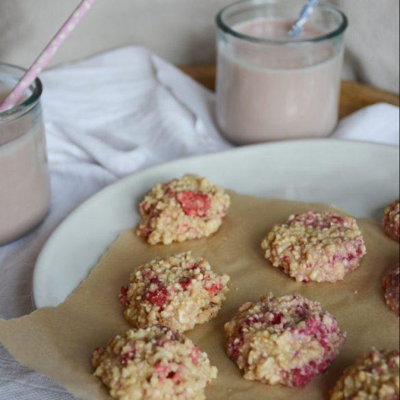strawberry-cashew-vanilla-no-bake-cookies-2