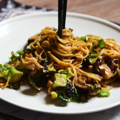 hoisin-noodles-broccoli-brussel-sprouts-mushrooms