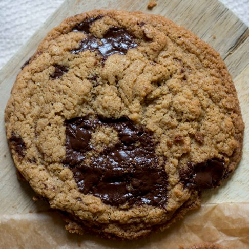 vegan-chocolate-tahini-cookies