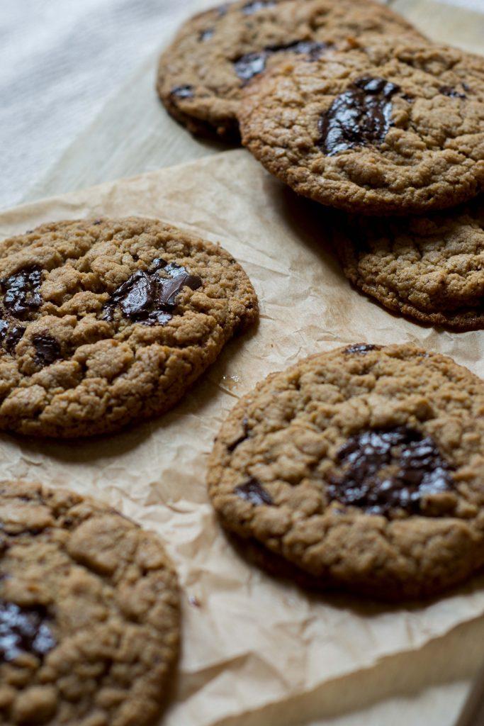 gluten-free-tahini-chocolate-cookies