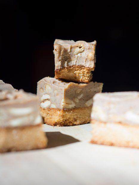 caramel-cashew-shortbread-bars-2-1